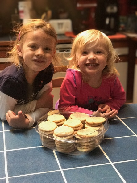 grandkids with cookies