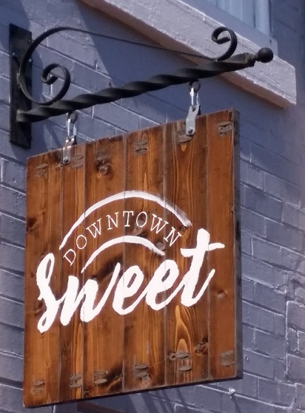 downtown sweet sign jonesborough tennessee